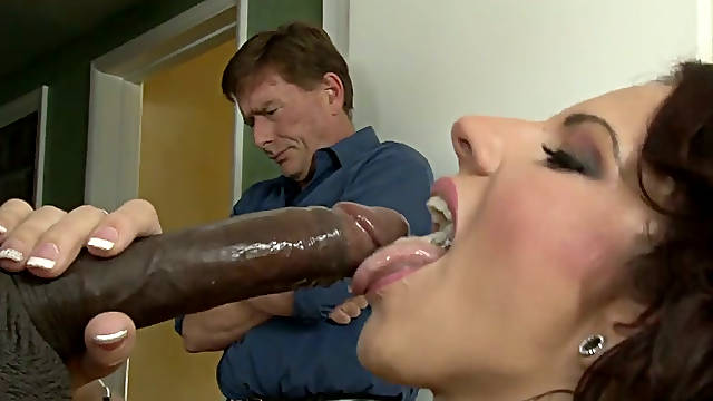 Lylith LaVey pleases Sean Michaels in Kyle Stones eyes
