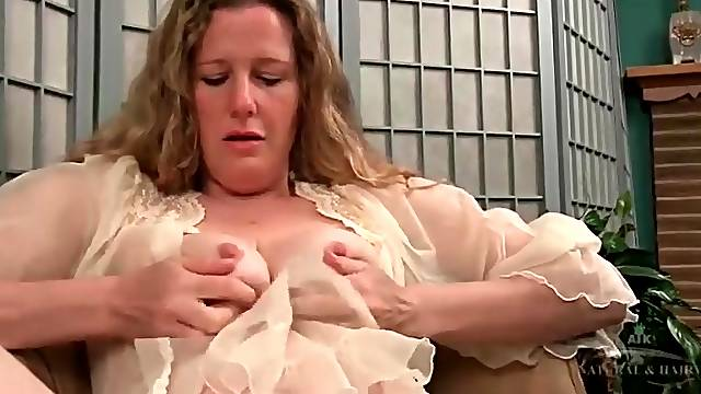 Hairy milf armpits and pussy in close up