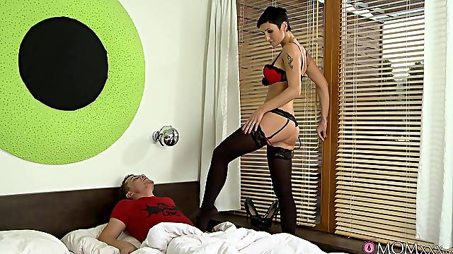 Keen brunette acts a little dominant with her man's big dong