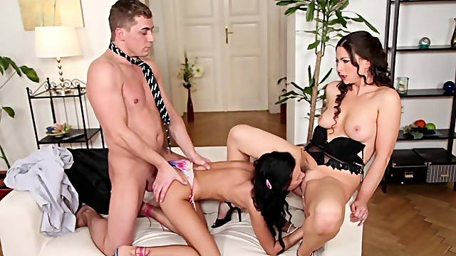 Two brunettes are having awesome 3some sex