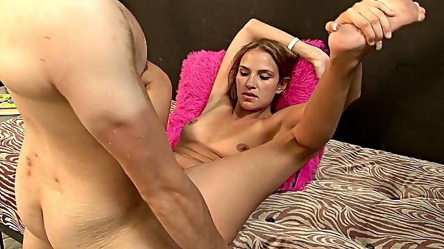Strong dick to suit Sindy Rose's wet pussy