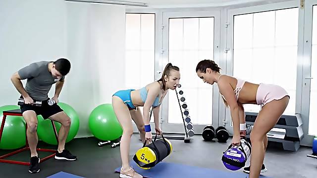 Rough gym sex for a stud, Cristal Caitlin and Lina Mercury