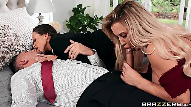 Premium women share man's elegant cock in massive XXX trio