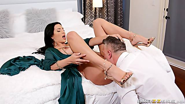 Azul Hermosa loves pussy licking, but she's happiest with dick deep inside