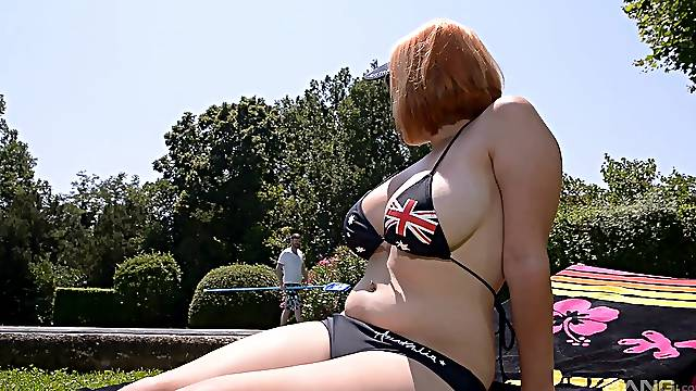 Busty nude MILF goes full mode on much younger pool boy's dick