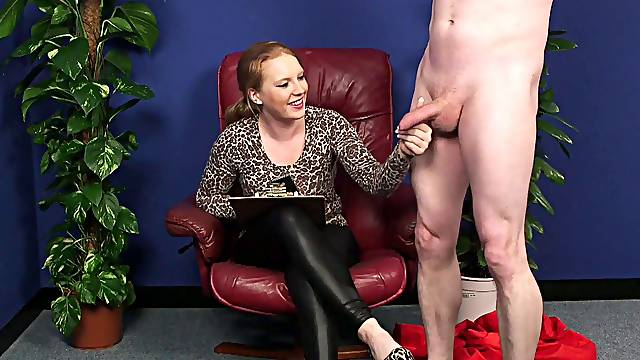 Clothed mature loves seeing the man jerking for her