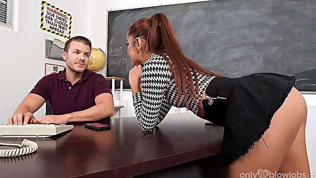 Girl throats like a goddess after teasing her teacher with that ass