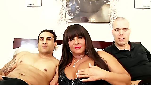 Nude porn with a chubby mature avid to swallow