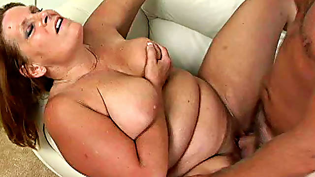 Wondrous Leighann with ugly face and fatty figure is sucking well