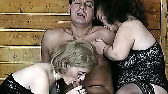 Kinky fuck with a couple of midgets