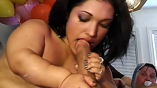 Crazy kinky party with midget bride banged