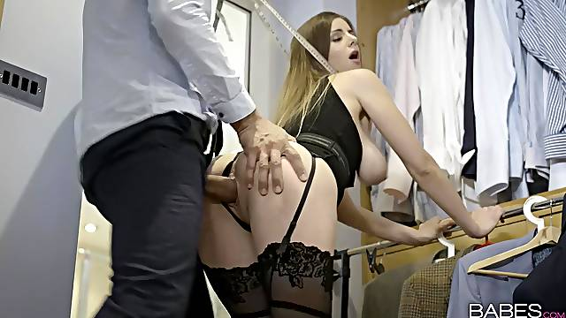Seductive milf gets seriously fucked in a perfect fetish