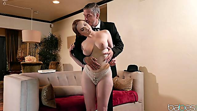 Passionate babe leaves step daddy inside her vag