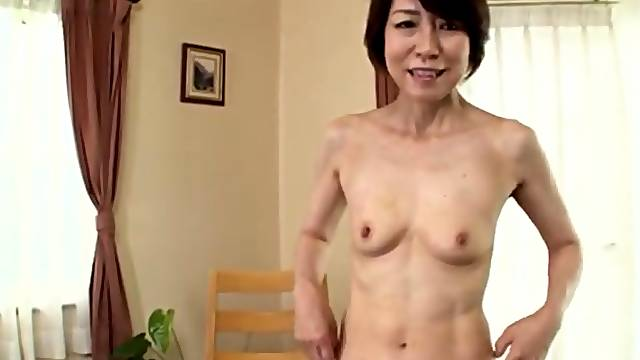 After she takes her clothes off Suzuki Sachiko is ready for amazing sex