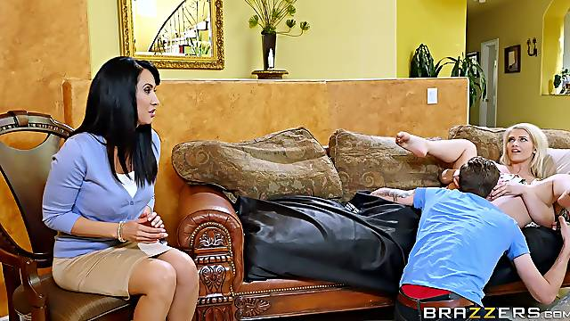 Young couple fuck a mature woman during therapy