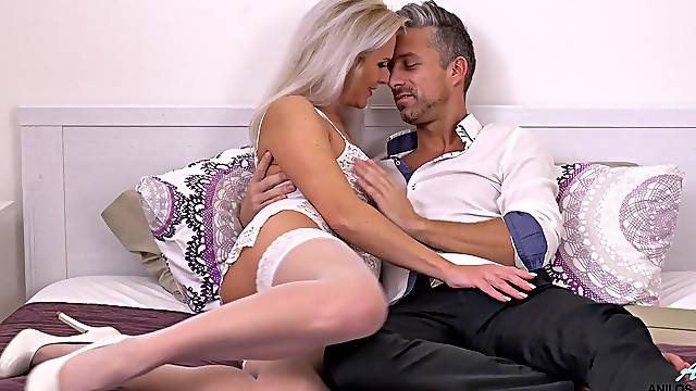 Serious hard sex with a premium mature on fire