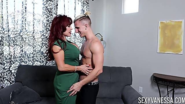 Cougar mom shows this young lad what a capable woman can do to his dick