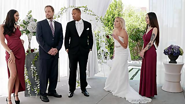 Ariana Marie badly wants to taste the groom's hot load during the wedding