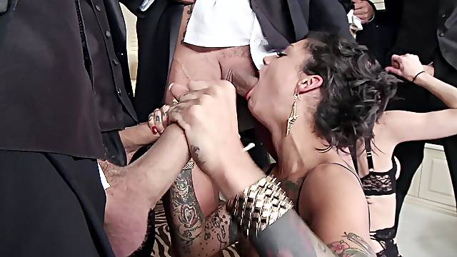 Naked MILF with sexy tattoos, increased pleasure in rough gangbang