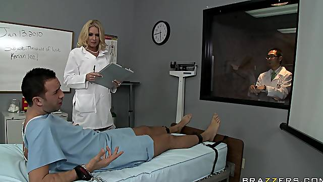 Sensual female doctor ends up getting laid with one of her patients