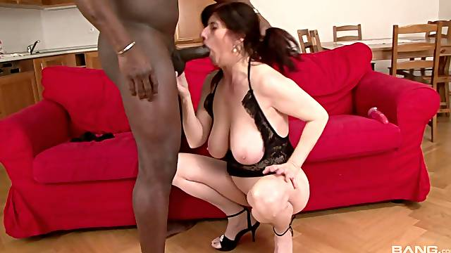 Mature works massive BBC in the wildest amateur scenes possible