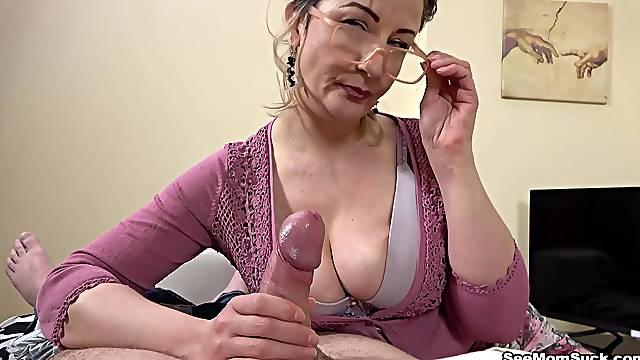 Granny puts it between the saggy tits for extra pleasure