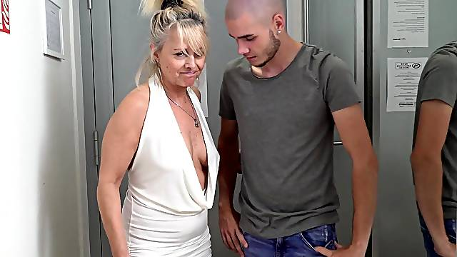Fat ass mature pleases herself with a fresh cock
