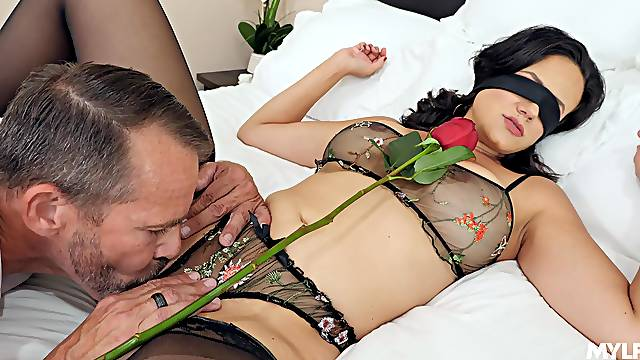 Special sexual surprise for the energized wife
