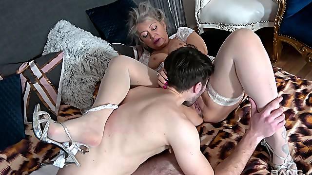 Granny fucks with the nephew in hardcore scenes