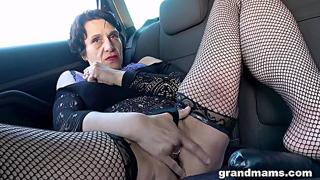 Solo car finger fucking XXX with a granny
