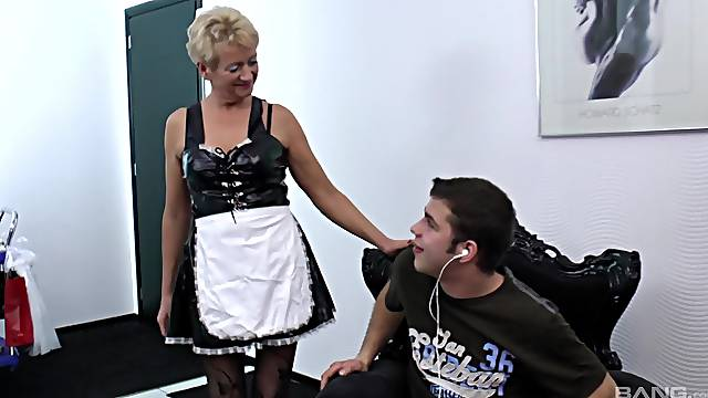 Granny loves a young dick up her greedy cunt