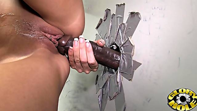 I eat cum after getting fucked by black schlong through the gloryhole