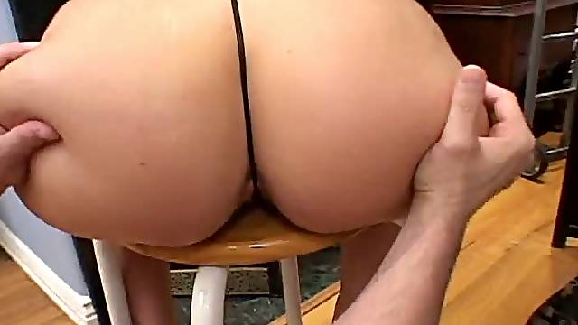 Mexican Hottie Gets Her Pussy Flaps Gapped