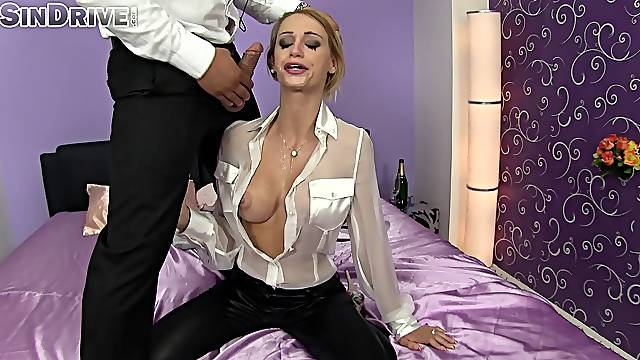 Glamour babe in clothes Erica Fontes drops on her knees to give head