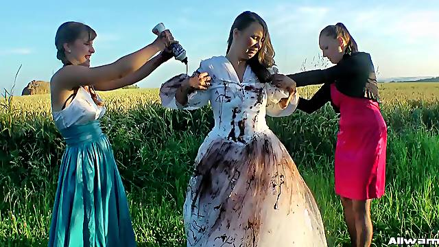 Dirty glamour sluts playing with foor after a wedding day