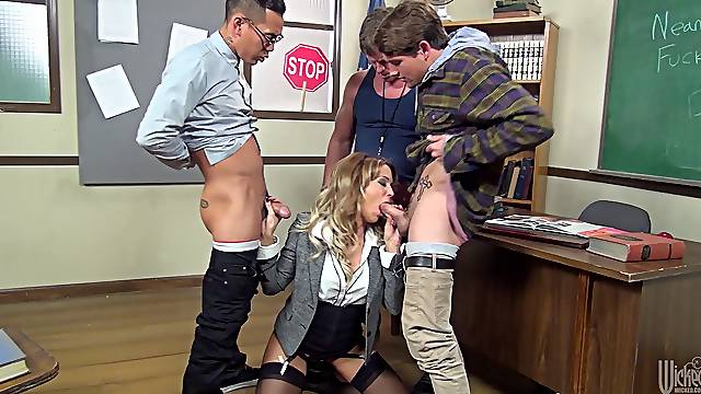 Rough mouth fucking for beautiful secretary Jessica Drake in stockings