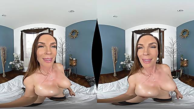 Pretty MILF Diamond Foxxx gets fucked in different poses