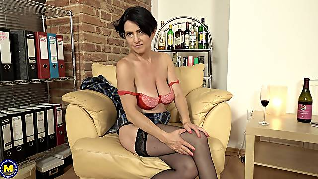 Mature amateur Lucinda loves to strips and tease in front of the camera