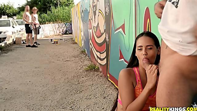 Nice outdoor sex with sexy brunette chick Andreina de Luxe