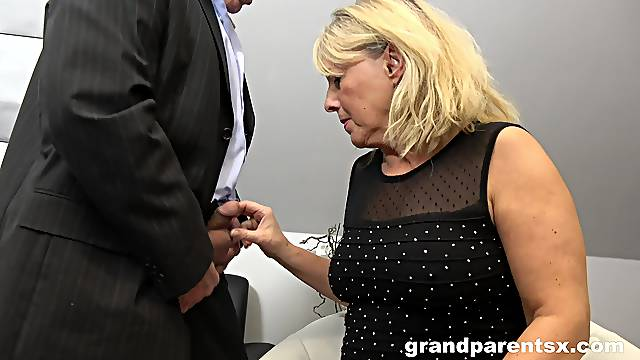 Amateur threesome at home with an older couple and a younger chick