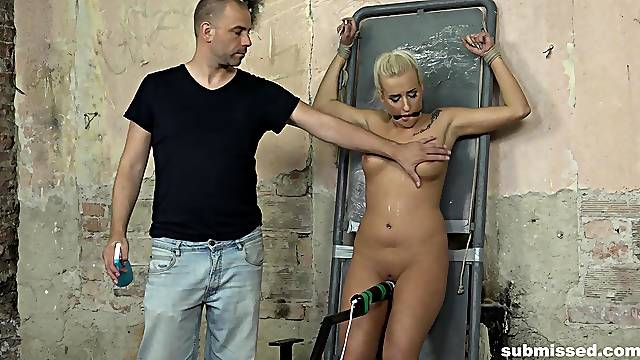 Erotic torture session with attractive blonde model Daisy Lee