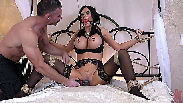 Busty MILF wife Jasmine Jae loves being tied up and penetrated