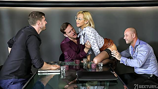 Blonde natural tits model Veronica Leal fucked in gangbang