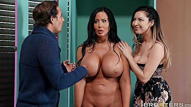 Sybil Stallone enjoys hardcore fuck while her friend watches
