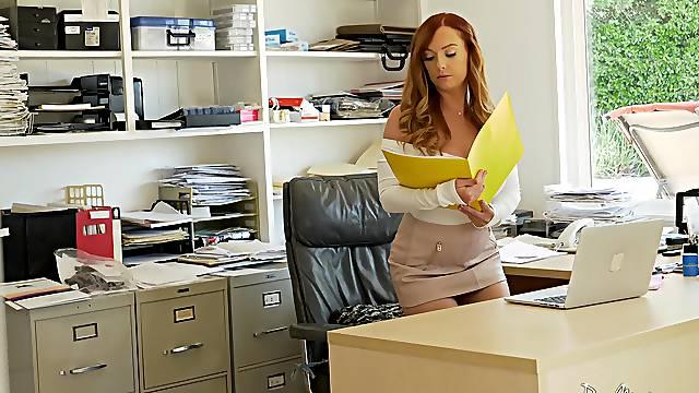 Goor looking redhead Dani Jensen spreads her legs for office quickie