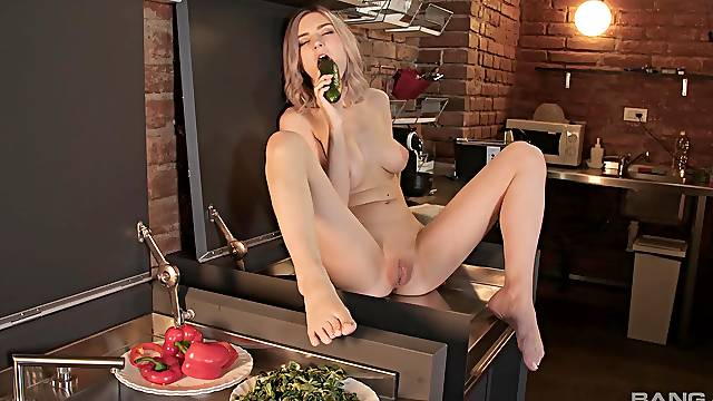 Solo chick Tiny Teen spreads her legs to play with food and toys