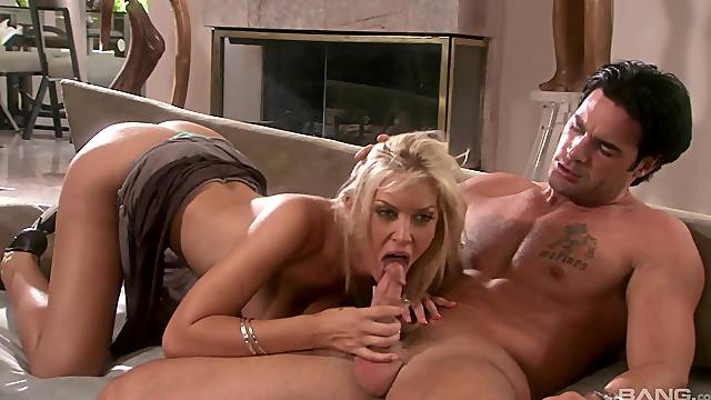 Sweet wife Brooker Banner loves giving head before riding her man