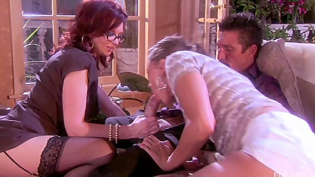 Erotic FFM threesome with deluxe pornstars Tori Black & Felony Foreplay