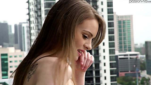 Slender girlfriend Jessae Rosae drops her thong for deep sex