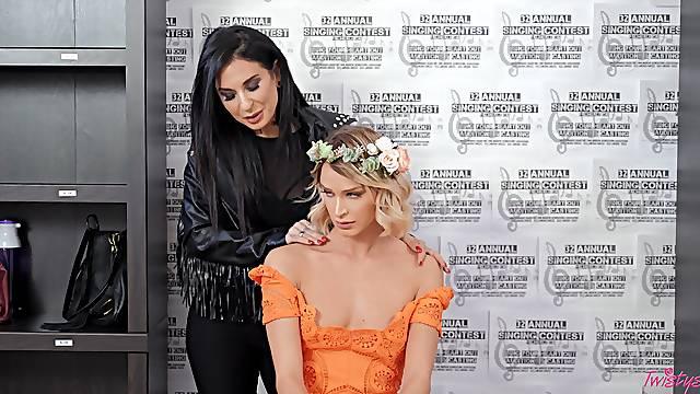 Naughty babes Emma Hix and Joanna Angel enjoy scissoring and licking
